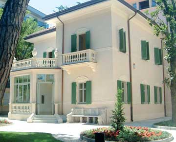 Le ville di riccione itinerario a riccione for Piani di casa di villa spagnola