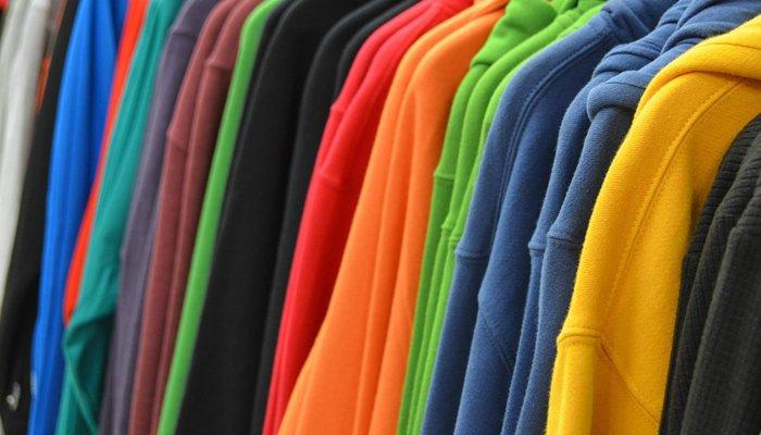capispalla di tutti i colori nei negozi di Viale Ceccarini Riccione