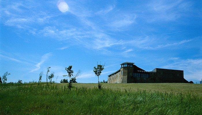 Castello degli Agolanti immerso nel verde dei colli riccionesi