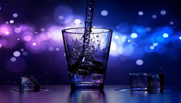 Drink sul bancone di uno dei locali Riccione