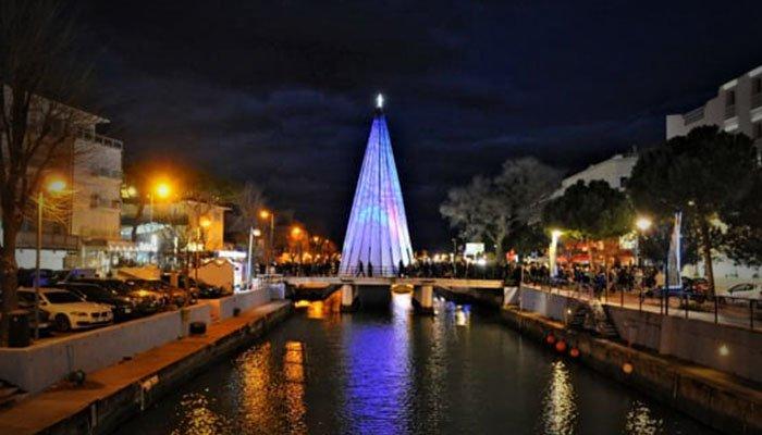 Foto dell'albero di Natale dello scorso anno - Capodanno 2019 a Riccione