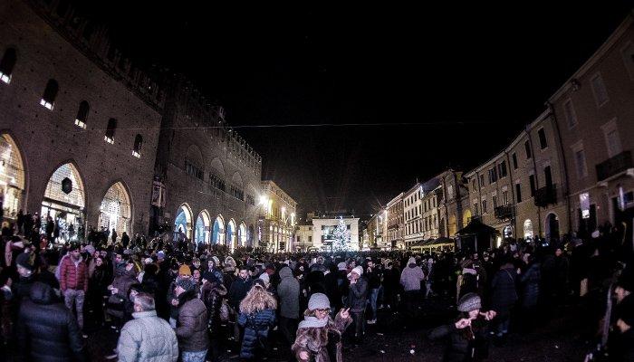 Una foto da Piazza Cavour - Capodanno Rimini 2019